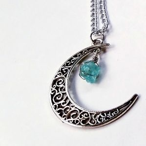Jewelry - NWOT MOON PENDANT NECKLACE W/ STONE